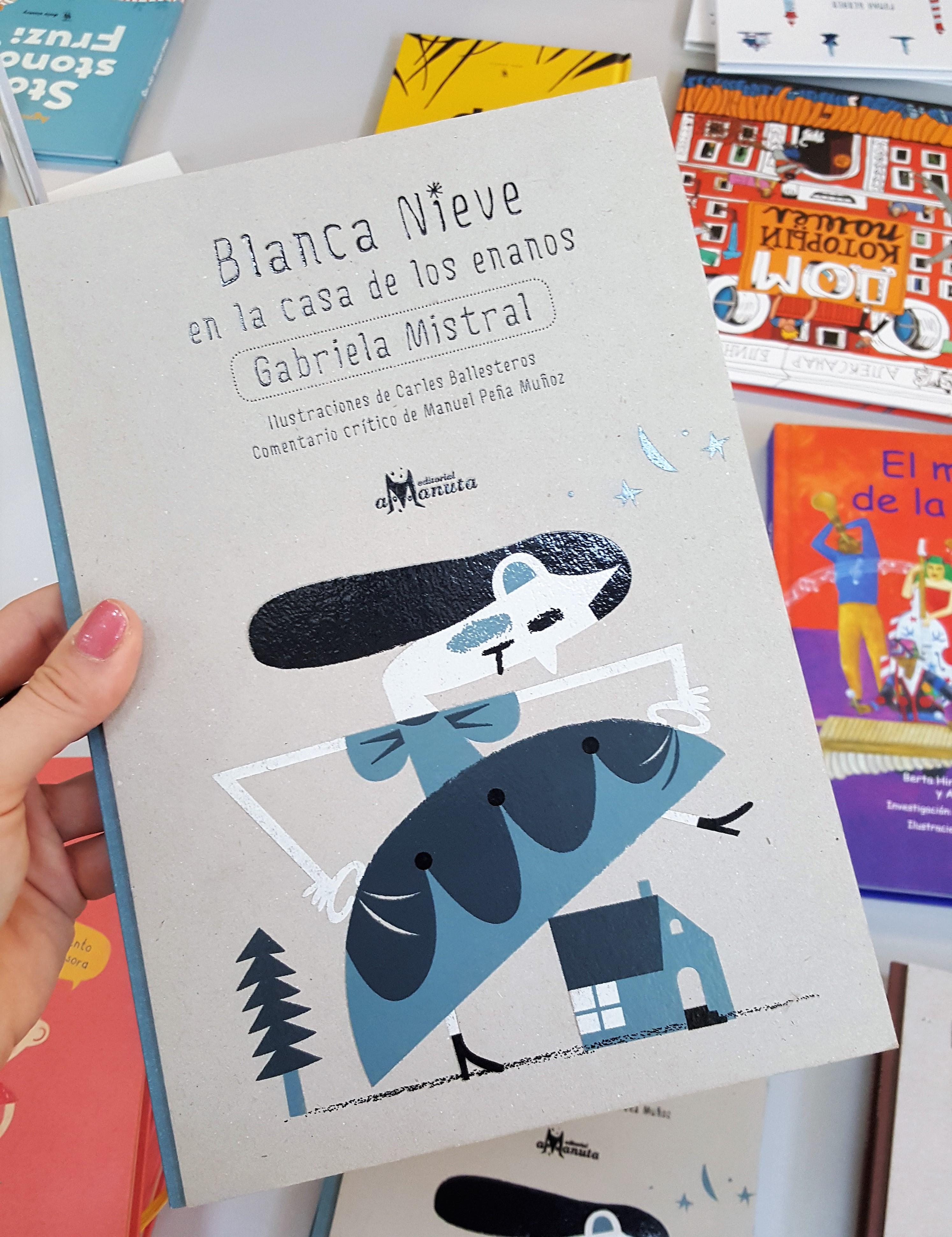 Okładki książek z surowego kartonu